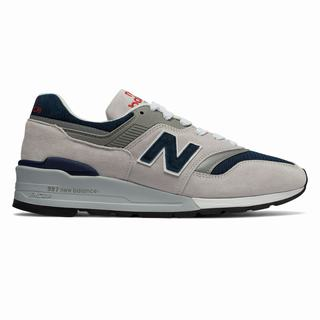 New Balance 997 Made in US Mens Chunky Trainers Grey Navy (PVQK4934)