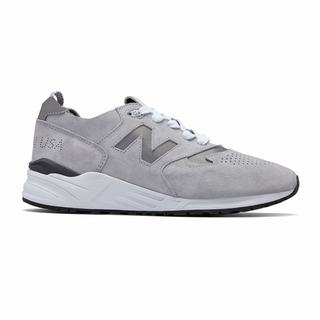 New Balance 999 Made in US Mens Chunky Trainers Grey White (VOJY3630)